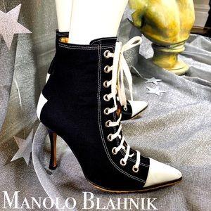 """MANOLO BLAHNIK Classic Sneaker 4"""" Heel Booties 39"""